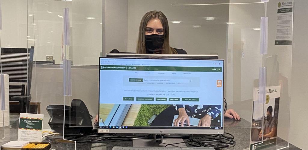 CSU student worker at help desk